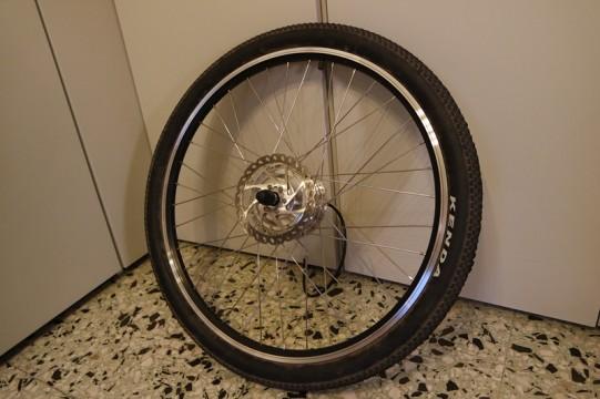 roue avec chambre à air