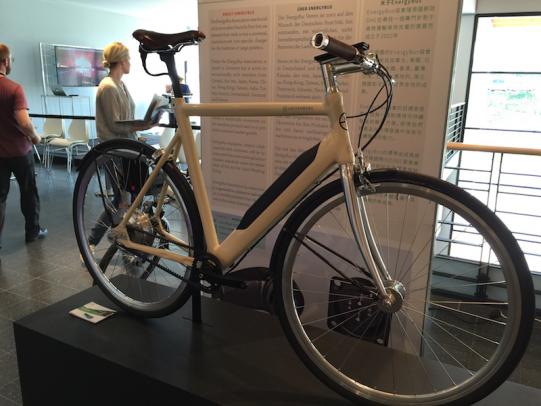 Vélo électrique avec un Energy Tube